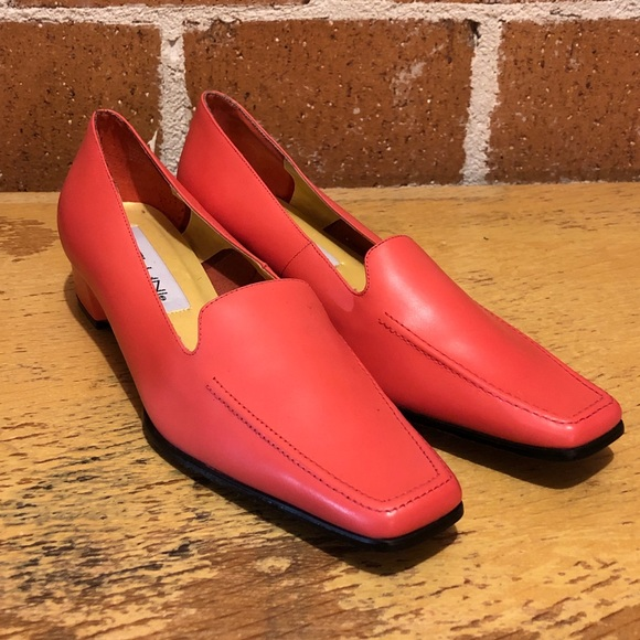 Bellini Shoes - NWOT Bellini coral pink slip on loafers size 9